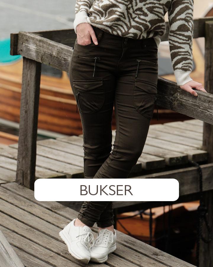 Zavanna har et stort utvalg bukser og jeans i ulike modeller, farger, benlengder, med og uten pynt   Rask levering   Kjøp på Zavanna.no